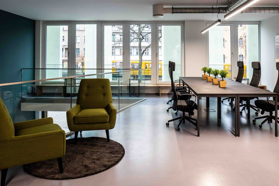Plug&play office for 30-50 employees in Kastanienallee