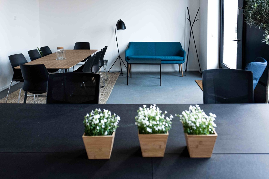 Plug&play office for 20-24 employees next to Hallesches Tor